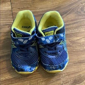 (🎉 BOGO) Boy's Asics shoes blue and yellow